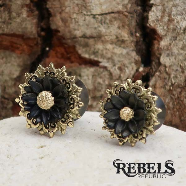 Sophisticated Daisy Wood Plugs