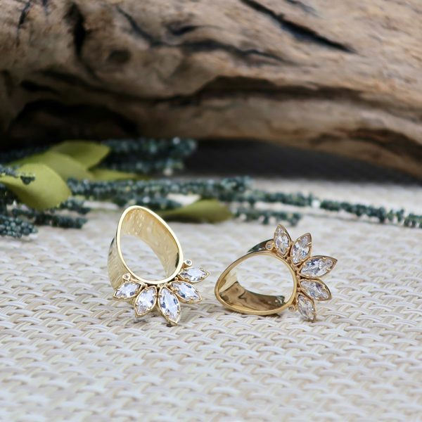 Marquise Eyelets Yellow Gold